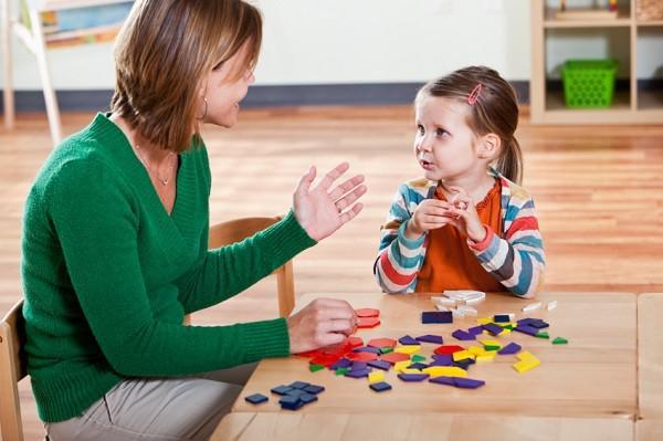 گفتاردرمانی کودکان در منزل