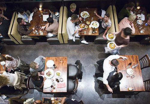 رستوران شلوغ