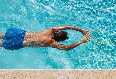 شنا از مهم ترین علت کیپ شدن ناگهانی گوش