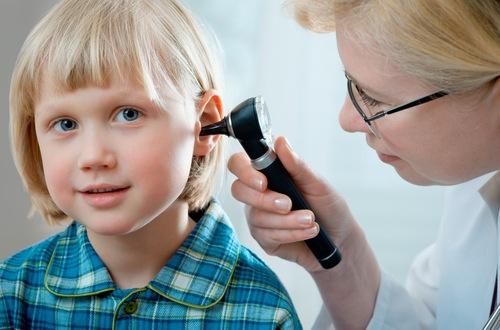 عفونت گرفتگی گوش می تواند علت سنگینی گوش باشد