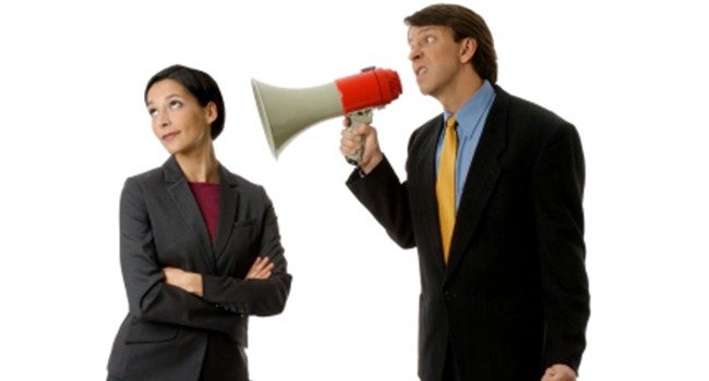 مشکل گوش ندادن به حرف دیگران