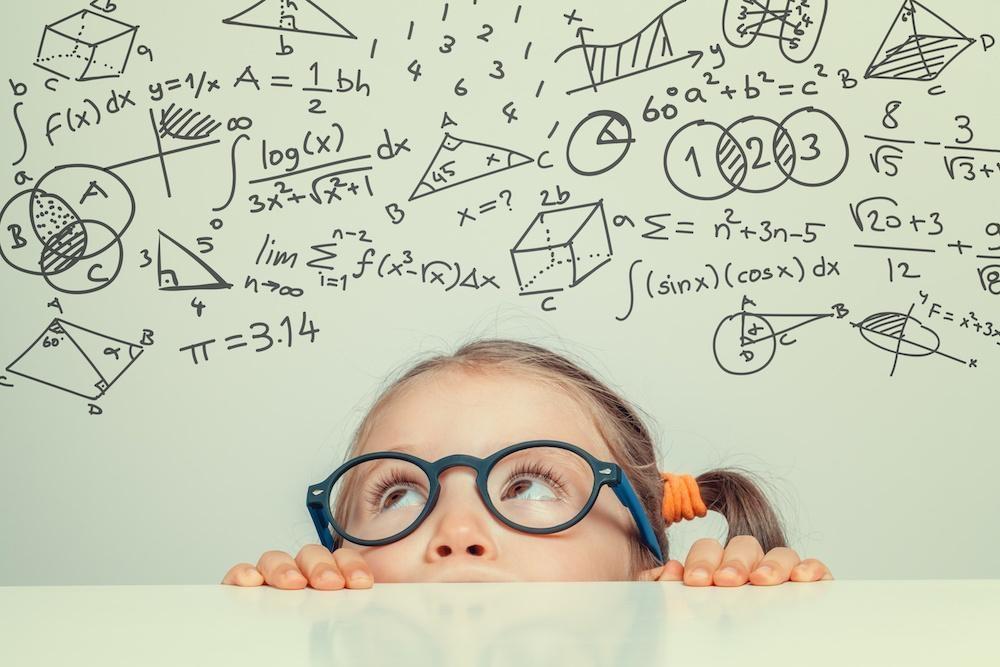 مراجعه به پزشک جهت درمان اختلال یادگیری در خواندن کودکان